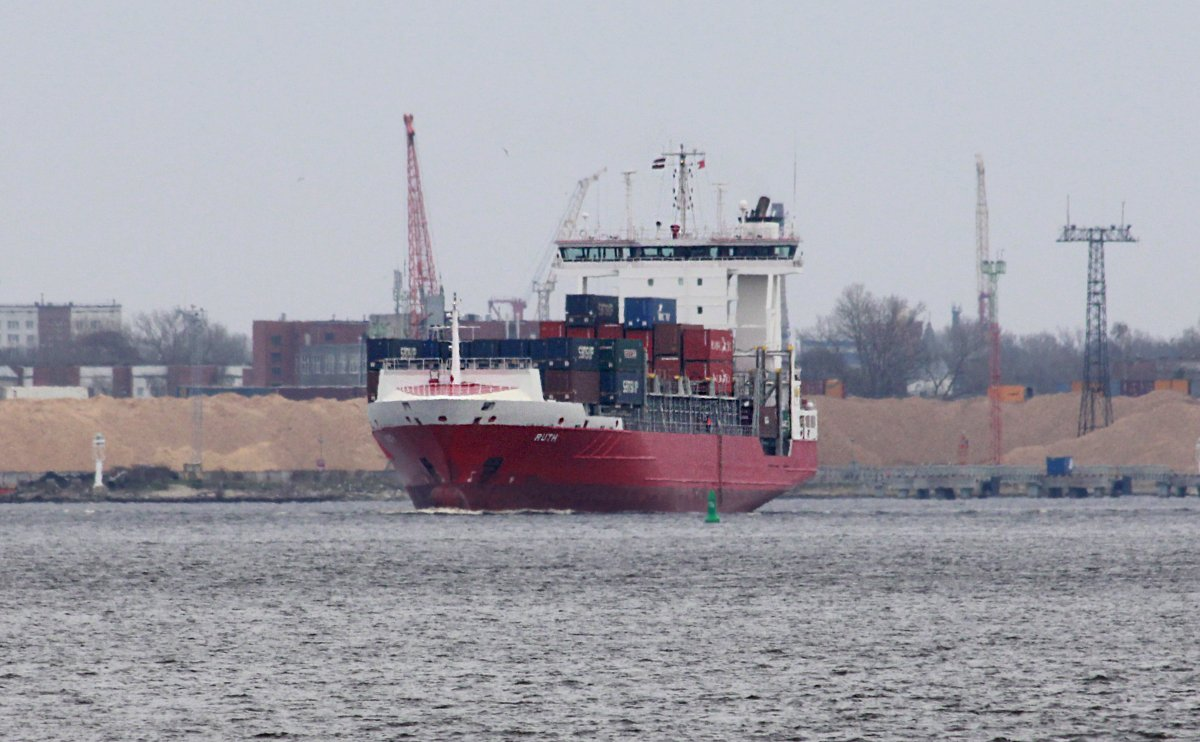 RUTH vessel IMO:9376036