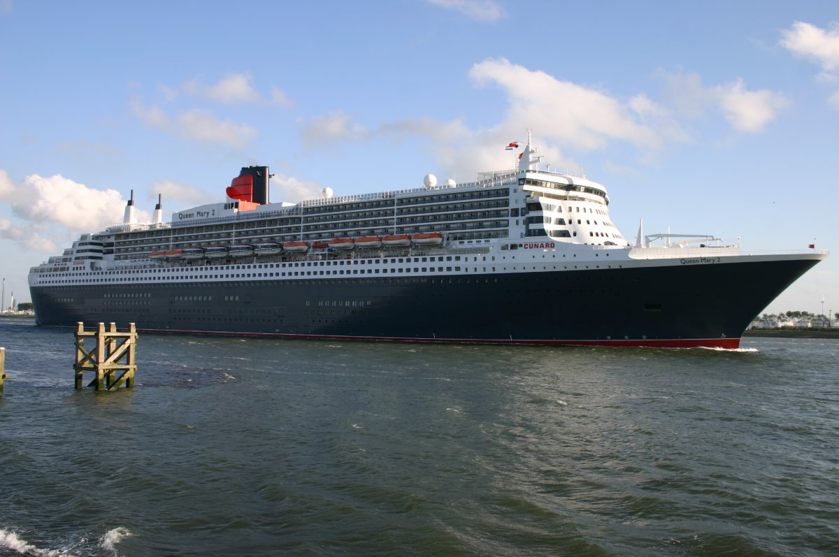 Inside View Of Queen Mary 2